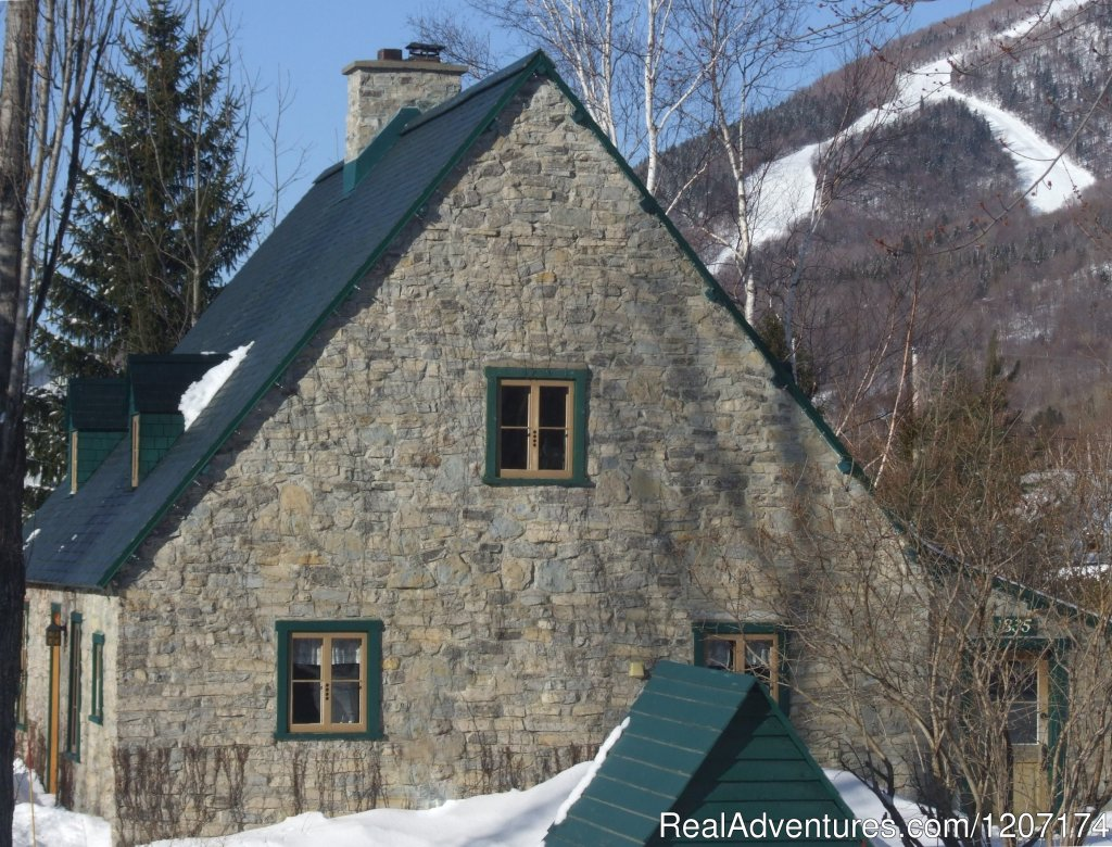 Skiing not far from the Ricard House at Mont-Sainte-Anne | Image #5/13 | Large Country Homes rental near Quebec City Canada