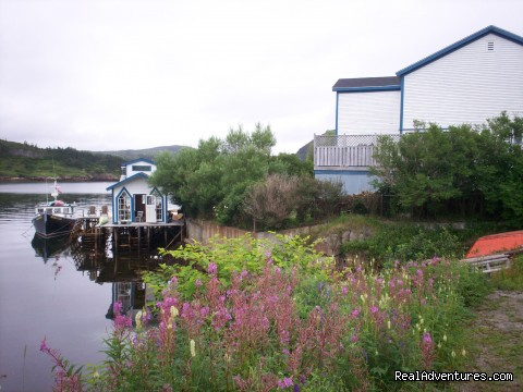 Burgeo Haven Inn on the Sea Bed & Breakfast: Burgeo haven 'Inn on the Sea' view from parking lot