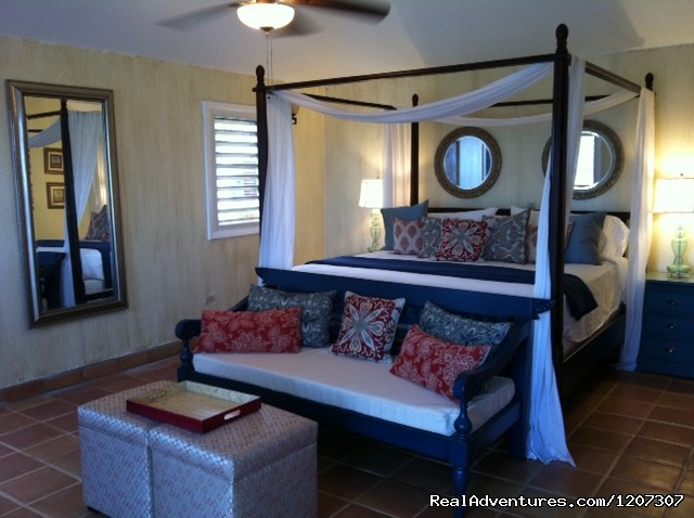 Romantic new East Bedroom - SeaViewPlay  New Pool & Fabulous Ocean Front Villa