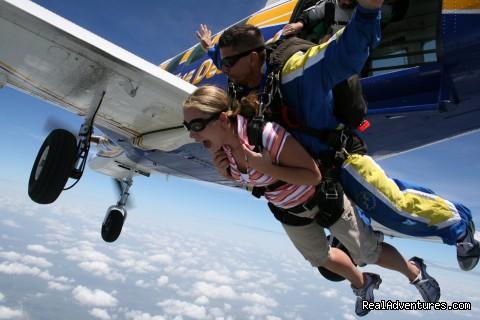 Skydive Aruba: Tandem Skydive Exit