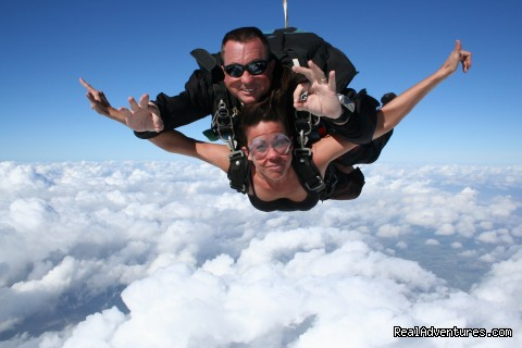 Image #5 of 7 - Skydive Aruba