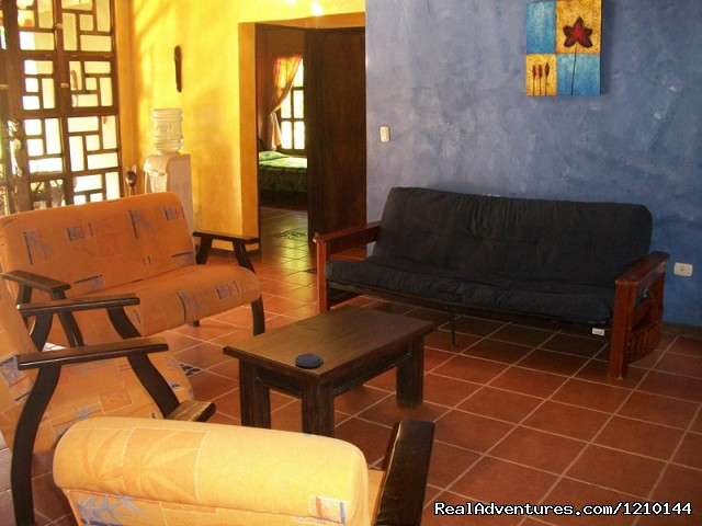 Guest House Lounge Area - Gentle Earth Juice fasting & health food retreats