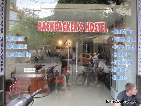 Backpackers Travel Hostel-27 Bat Dan Street: front hostel