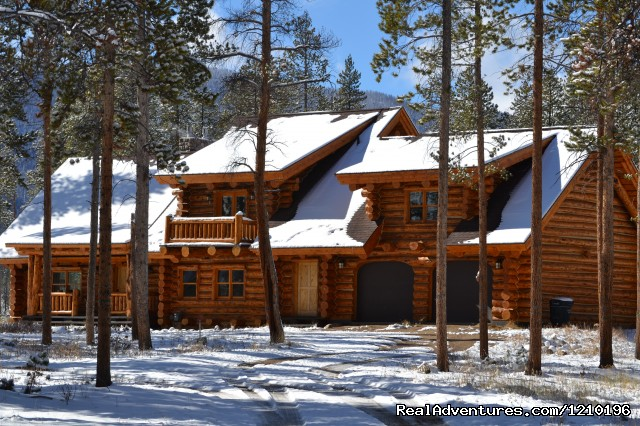 Winter Exterior - Lindig Lodge