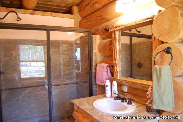 Bathroom 1 - Lindig Lodge