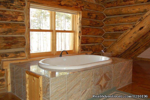 Master bathroom - Lindig Lodge