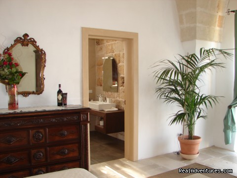 - Romantic hideaway at Villa Magnolia Italy
