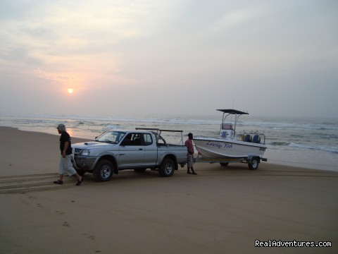 Beach launch early in the morning - Offshore fishing at its best in Mozambique !!