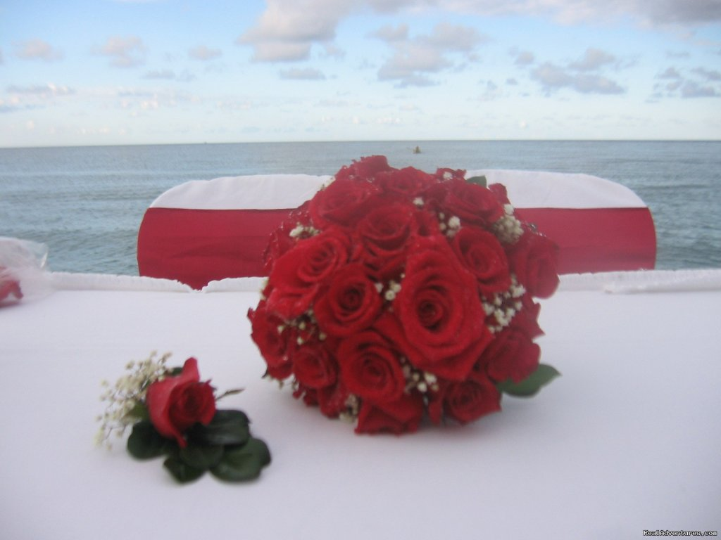 Bride Bouquet & Boutonniere | Image #7/7 | Tropical Weddings Jamaica