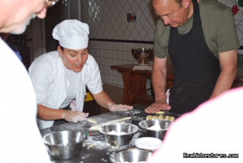 Gnocchi making - Cook in italy