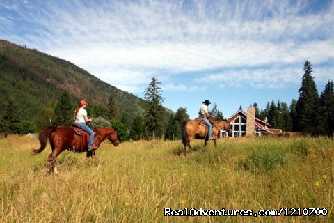 - Guest / Dude Ranch in British Columbia, Canada