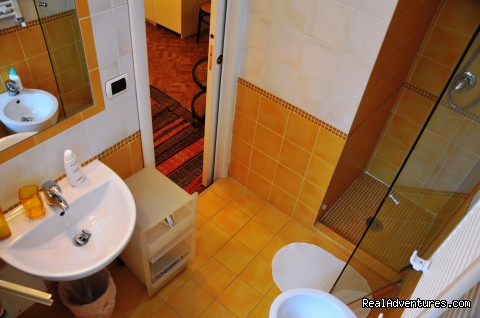 The Bathroom (#2 of 10) - B&B Naples Italy Last Minute La Bouganville