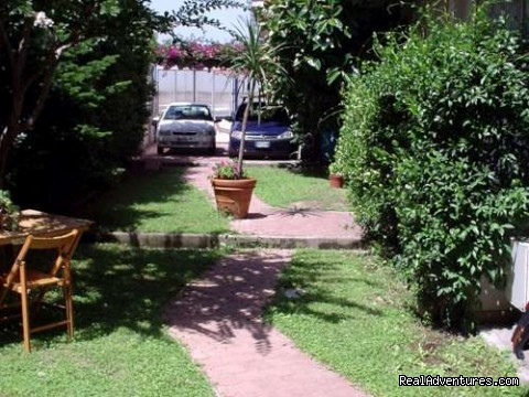 The parking space - B&B Naples Italy Last Minute La Bouganville