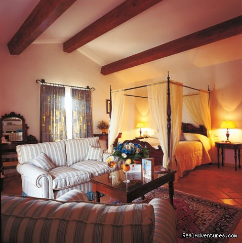 Our bedrooms - Cooking courses. Wine tours. Culinary adventures.