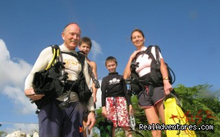 Family shore diving experience - Aruba personalized diving adventures