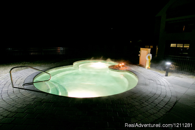 20 Person Outdoor Hot Tub - Killington Mountain Lodge