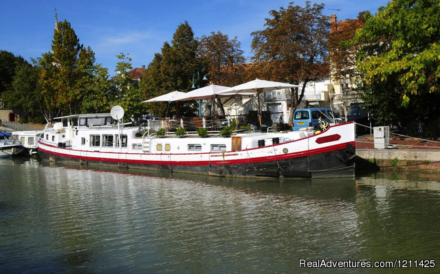 Alongside in Moissac. - Barge Cruise in France, Holland & Germany.