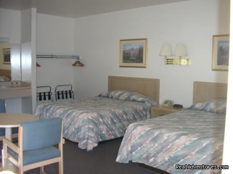 Image #3 of 8 - Mecca Motel