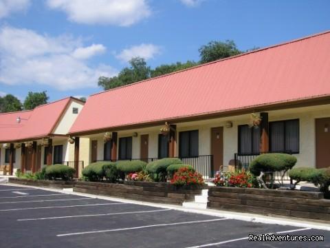 Image #4 of 8 - Mecca Motel