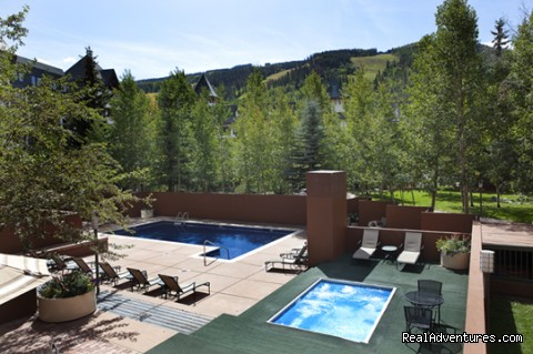 Outdoor Pool and Hot Tub - Vail Spa Condominiums