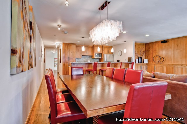 3 Bedroom Elegant Dining Room - Vail Spa Condominiums