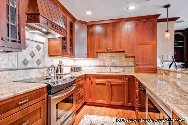 3 Bedroom Gourmet Kitchen - Vail Spa Condominiums