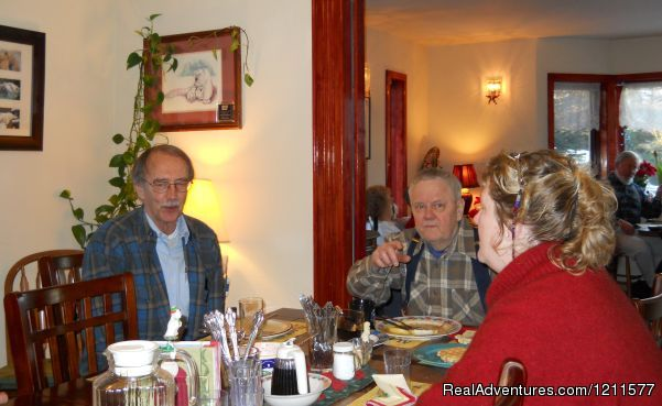 Guests at Northern Nights - Northern Nights Bed & Breakfast