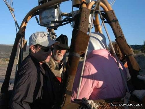Load Passengers | Image #2/6 | Hot Air Balloon Flights with Santa Fe Balloons.