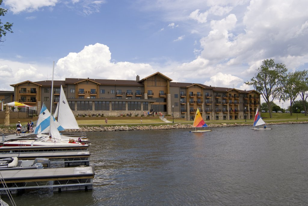 King's Pointe Resort has 100 beautiful, spacious rooms.  It is located right on Storm Lake allowing for an amazing view and back door lake access.  King's Pointe offers 2 great waterparks for family fun and an on site restaurant.