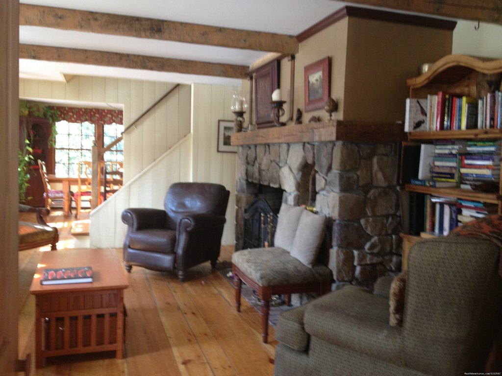 Livingroom | Image #5/21 | Sea Bass Cottage - Walking Distance to Ocean