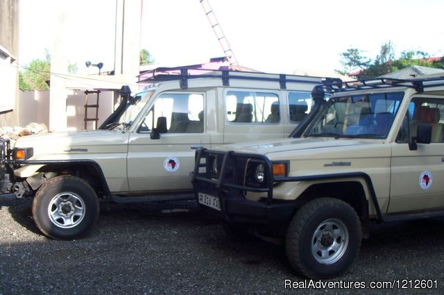 4x4 Safari Vehicles - 5 Days 4 Nights Luxury Lodge Safari Experience