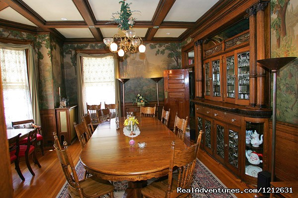 Beautiful Dining Room - Wonderfully romantic stays at the Mandolin Inn