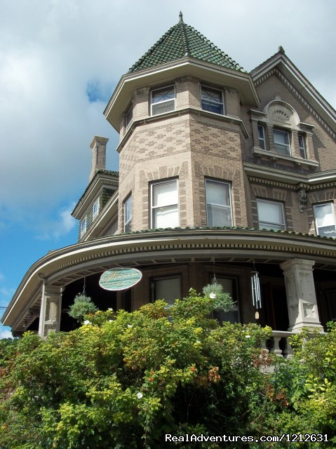 Wonderfully romantic stays at the Mandolin Inn Bed & Breakfasts Dubuque, Iowa