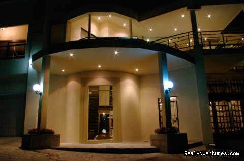 Main Entrance - Casa Cristal Boutique Hotel, Escazu - San Jose