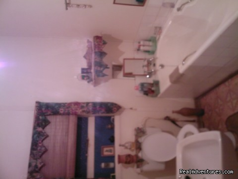 2010 Rooms bathroom