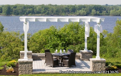Wedding Arbour - Delta Fredericton - The only Atlantic Urban Resort