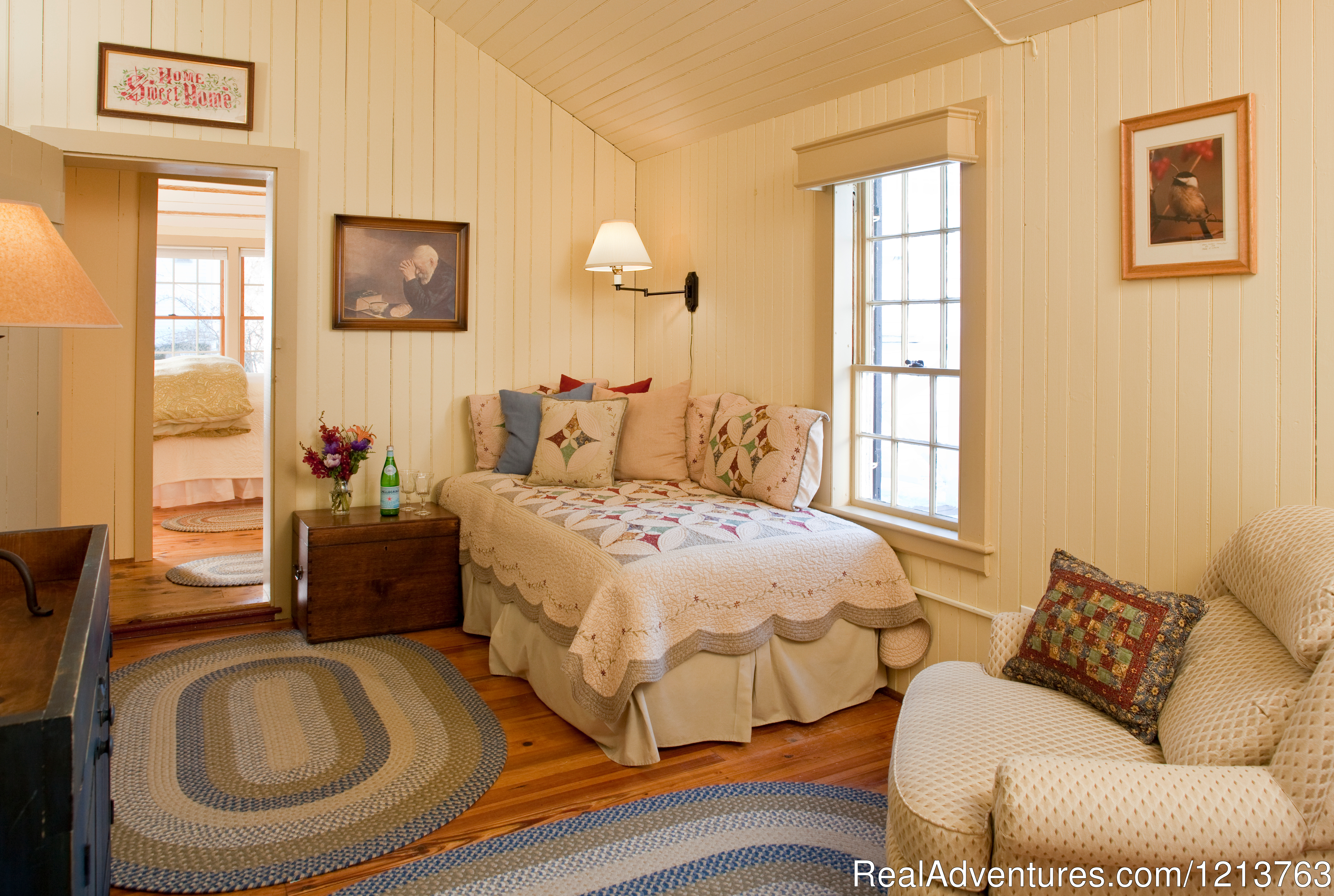 New Hampshire Room, Carriage House, Pet Friendly | Image #13/13 | Captain Jefferds Inn