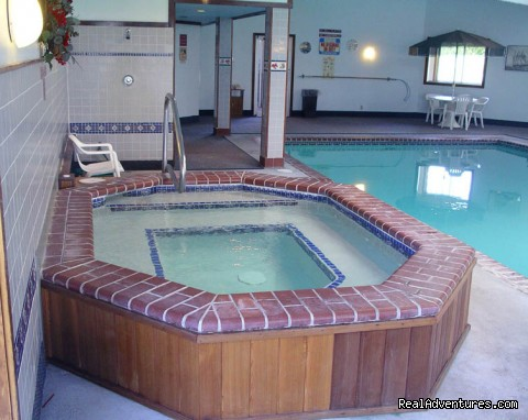 Indoor Hot Tub (#9 of 10) - Rhumb Line Resort