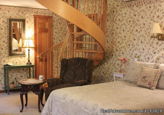 Bowdoin Room - White Cedar Inn