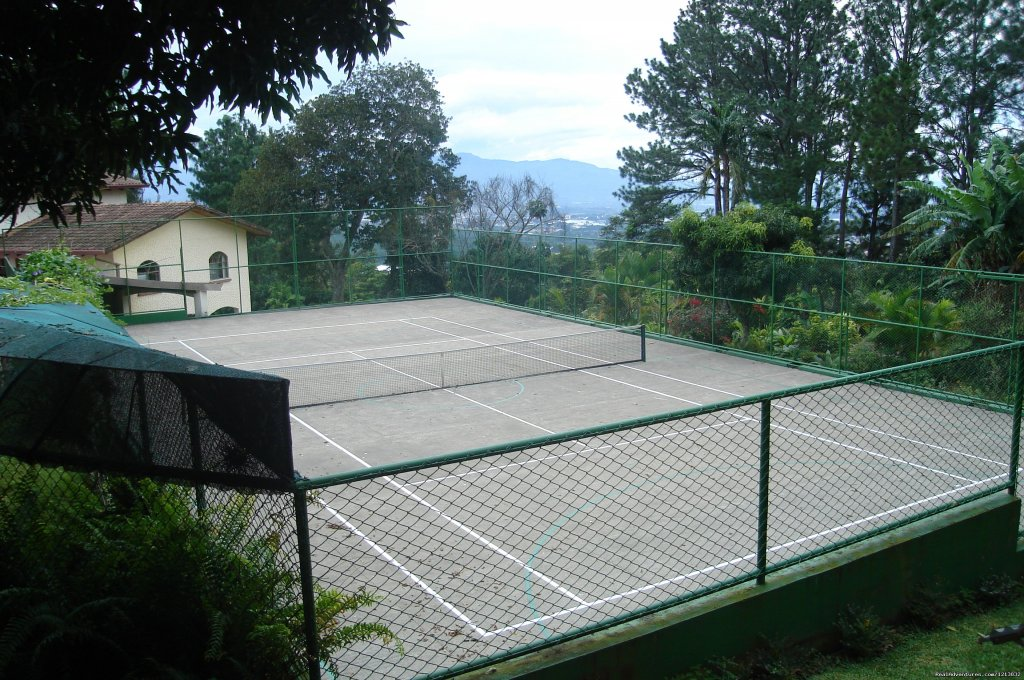 Tennis court | Image #2/11 | La Catalina Hotel & Suites adult couples only