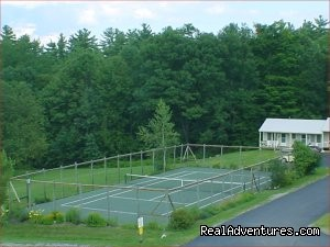 Tennis court - Lots To Do at Beautiful Lakeside Resort