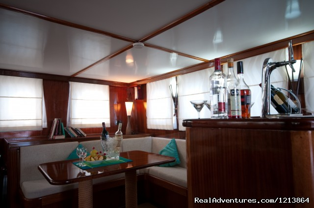 Special Dive Cruise in Maldives Saloon & Lounge