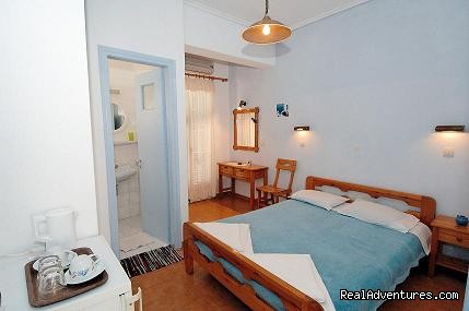 double room ensuite privatebathroom double bed - Typical Greek Traditional Holiday