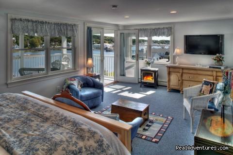 Harbor Light's #6 (#6 of 16) - Blue Heron Seaside Inn
