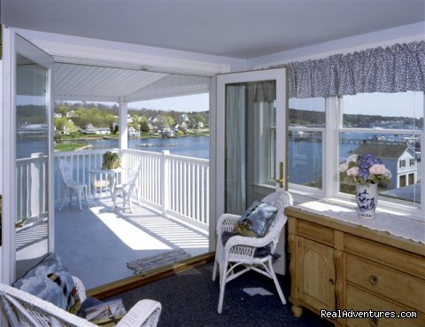 Harbor Light deck - Blue Heron Seaside Inn