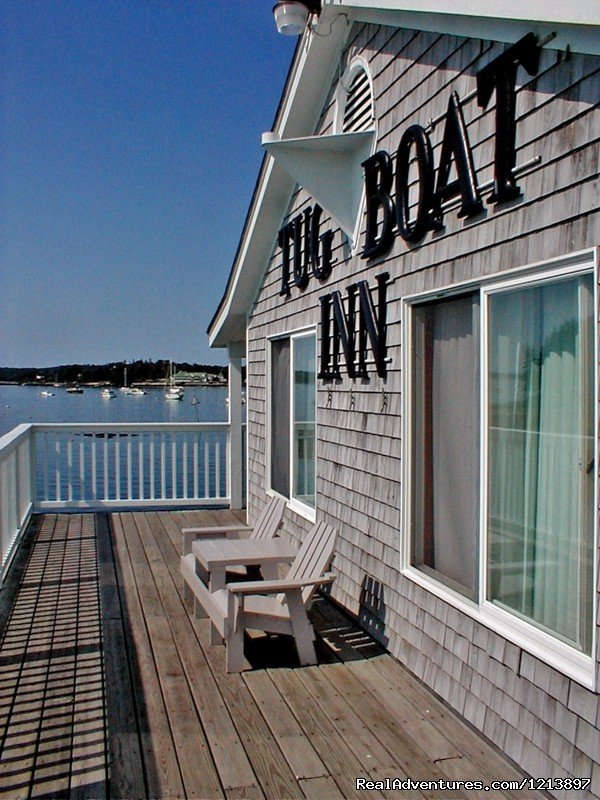 Tugboat Deck | Image #7/17 | Getaway to the Coast at the Tugboat Inn