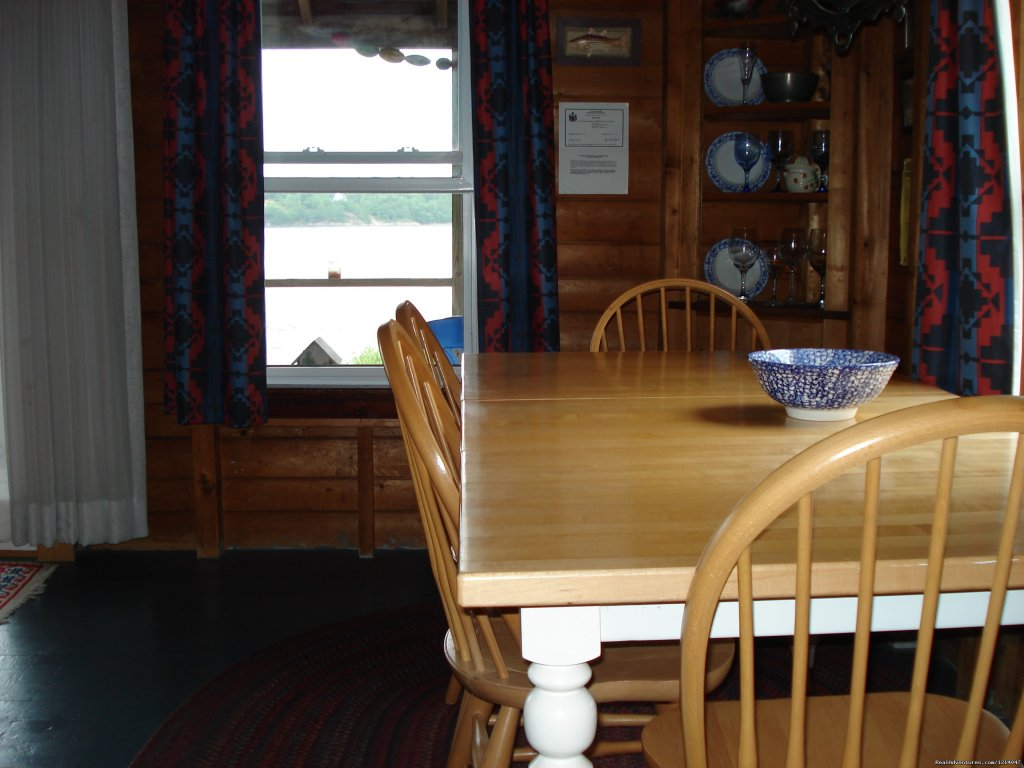 White Rocks Dining Room | Image #12/26 | Maine Coast Vacations Scenic White Rocks Cottage