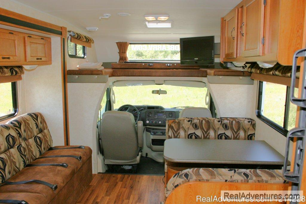 Comfortable Layout in this Motorhome Rental | Image #21/25 | Alaska RV Rentals | Anchorage Motorhome Rentals