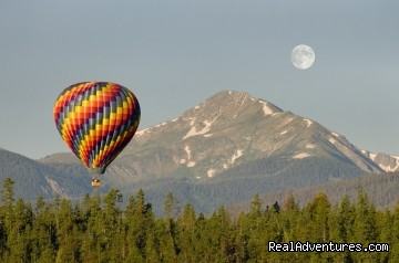 Balloon Rides Colorado: Balloon, the moon & Byers Peak