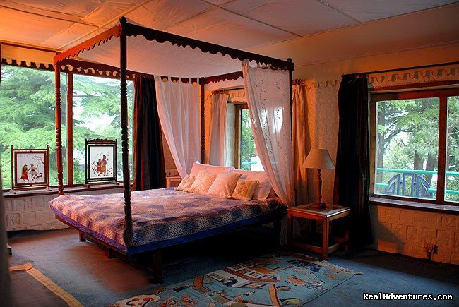 Hallett Room | Image #8/19 | Himalayan nature resort at Eagles Nest India